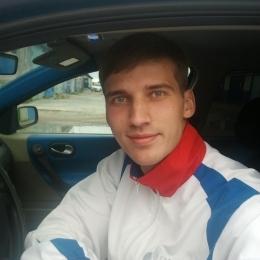 Симпатичный парень ищет девушку из Омска для секса без обязательств.