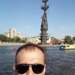 Парень ищет девушку в Омске. Ищу секс.
