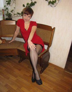 Молодая девушка желает подрочить симпатичному парню или мужчине в Омске